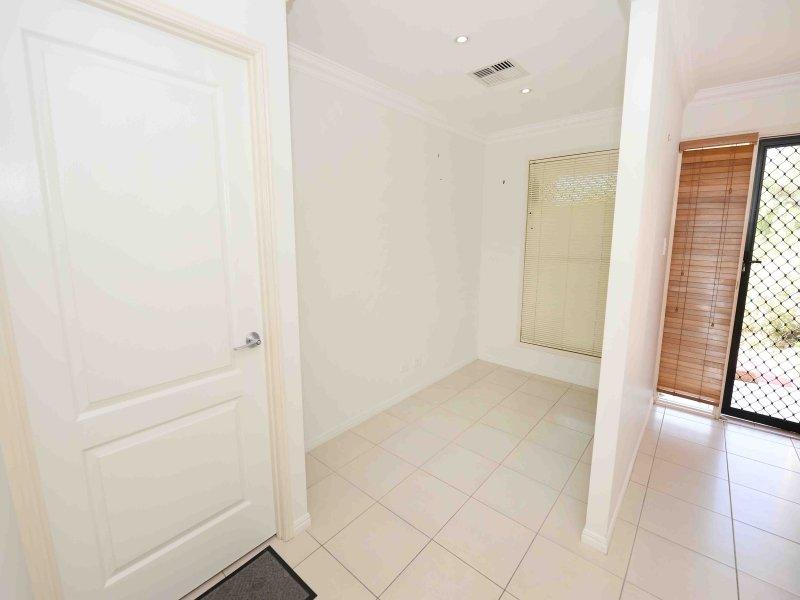14 Valley Vista Court, West Gladstone, Qld 4680
