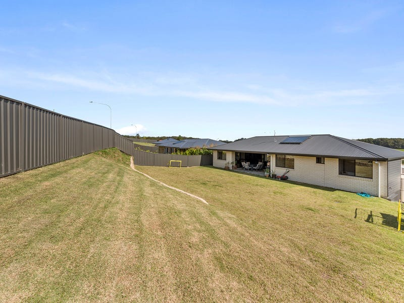 3 Birrugan Close, Bonville, NSW 2450