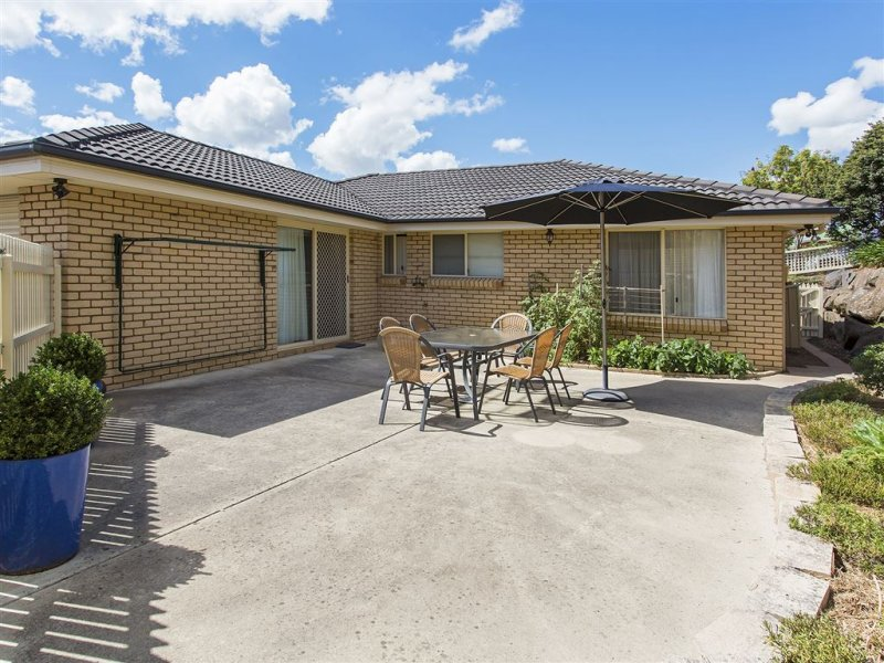 3/2 Carrera Place, Norwood, Tas 7250