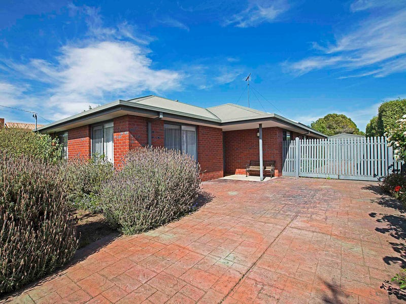 6 Sandalwood Court, Grovedale, Vic 3216
