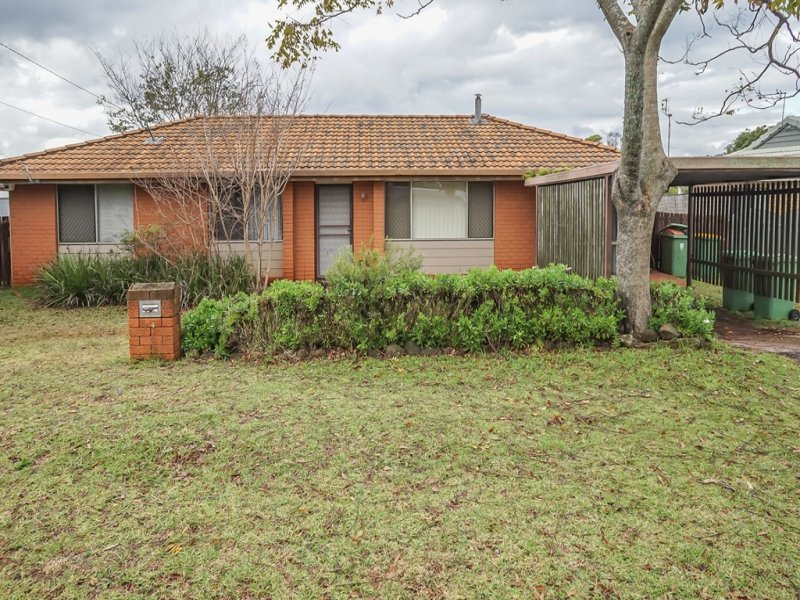 14 Claire Street, Centenary Heights, Qld 4350