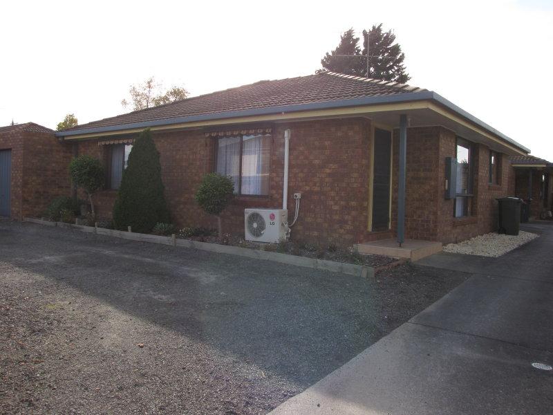 Unit 1/1 Jeeralang Avenue, Newborough, Vic 3825