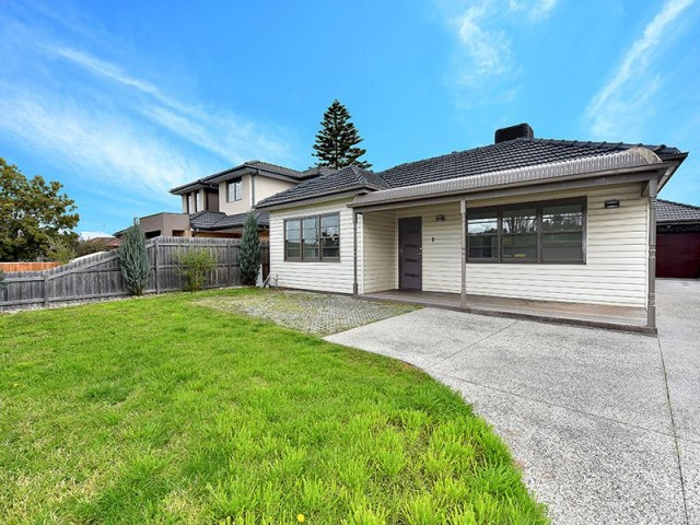 25 Matthews Avenue, Airport West, Vic 3042
