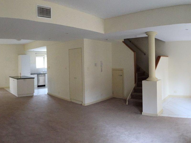 20c Robert Street, Glenelg, SA 5045