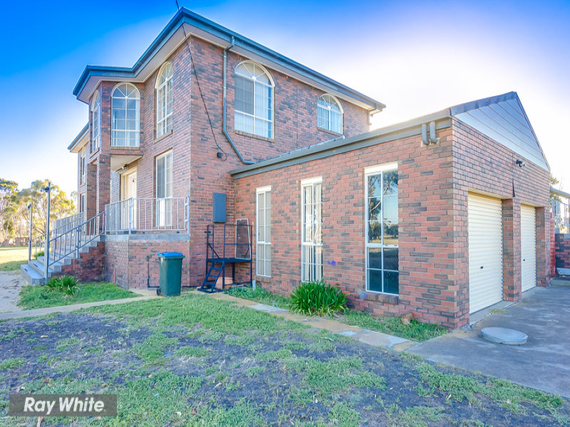 120 MOUYONG ROAD, Little River, Vic 3211