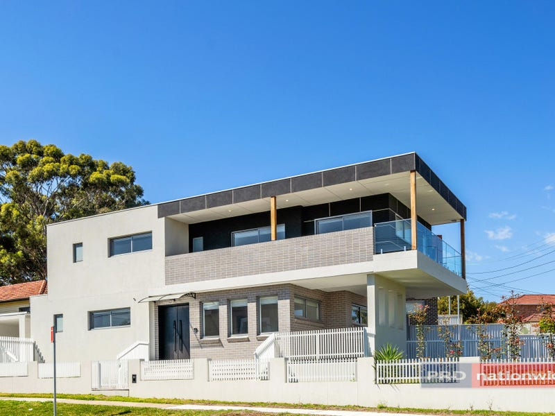 11 Arnold Avenue, Yagoona, NSW 2199