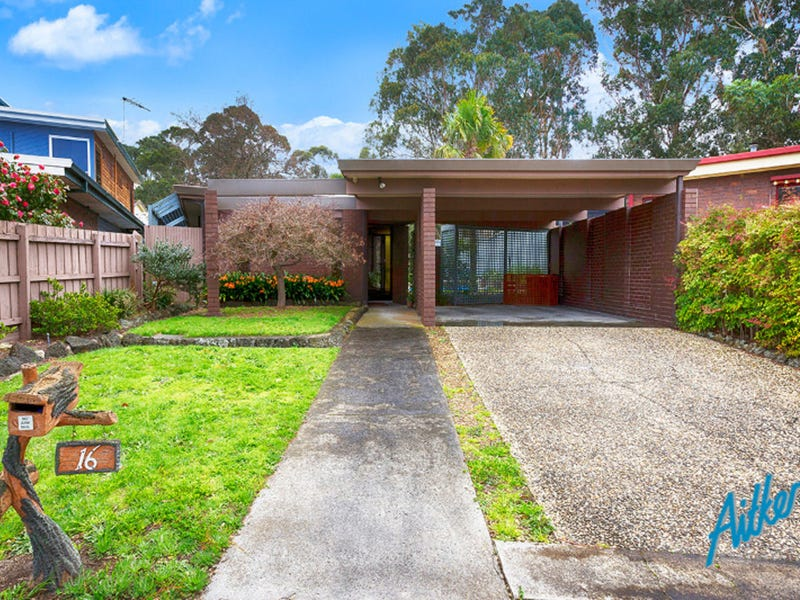 16 Golf Links Crescent, Dingley Village, Vic 3172