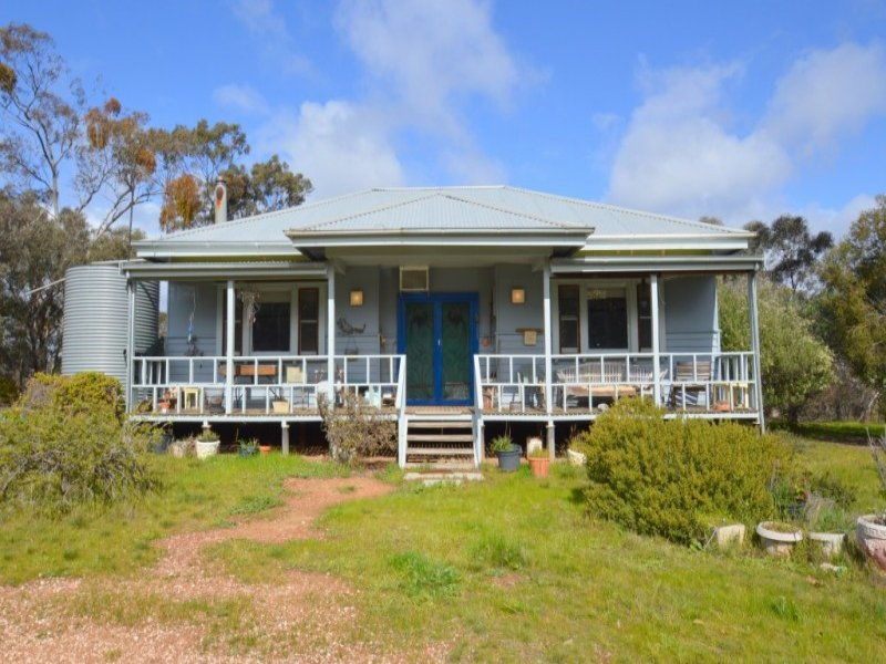 67 Bundaleer Road, Moonambel, Vic 3478