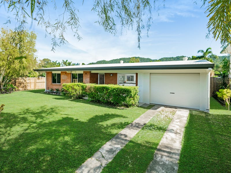 112 Russell Street, Edge Hill, Qld 4870