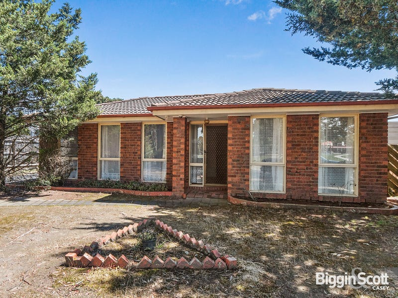 5 Mitchell Court, Cranbourne North, Vic 3977