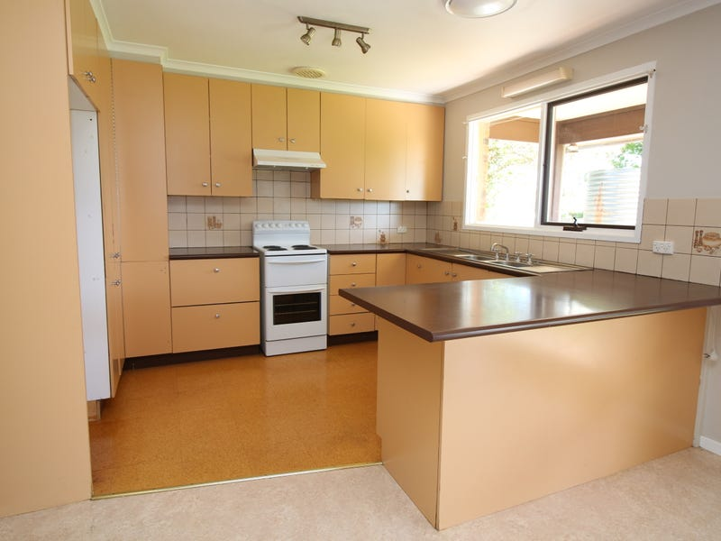 19 Wilga Street, Hanwood, NSW 2680