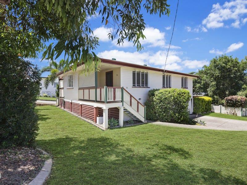 35 Yanderra Avenue, Arana Hills, Qld 4054