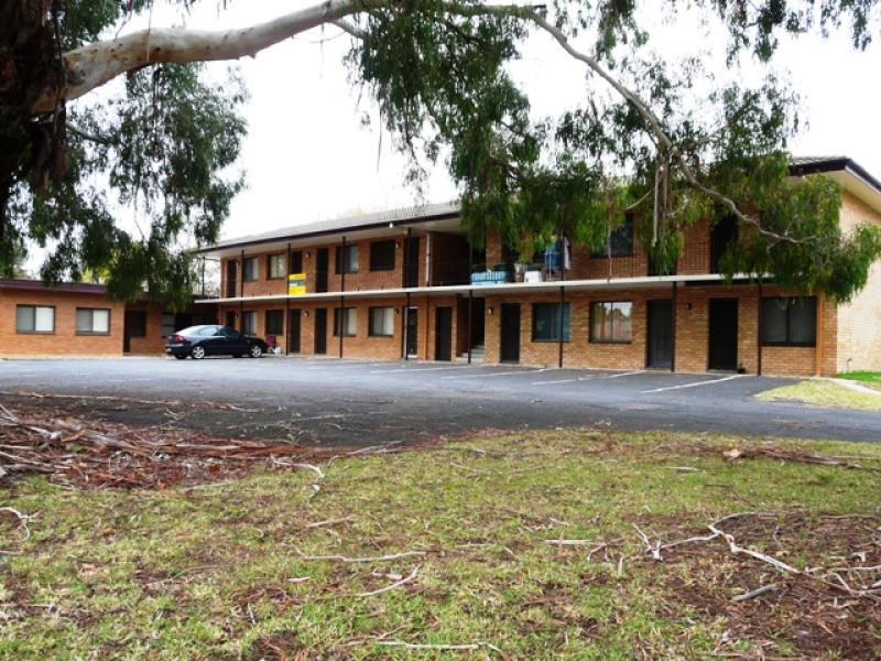 Units 4, 5 & 8,31 Seymour Street, Bathurst, NSW 2795