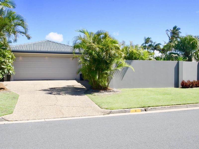 9  Walter Raleigh Crs, Hollywell, Qld 4216