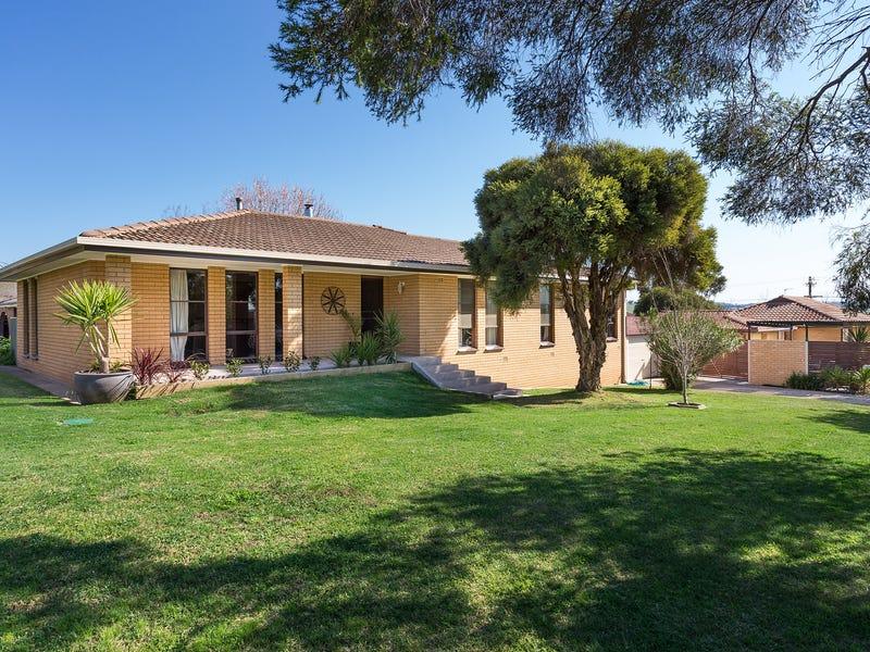 2 Truman Avenue, Tolland, NSW 2650
