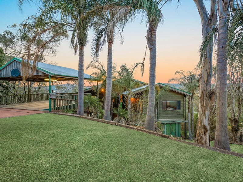 11 Hillview Court, Top Camp, Qld 4350