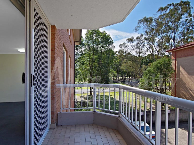 Unit 29/3 Mead Dr, Chipping Norton, NSW 2170