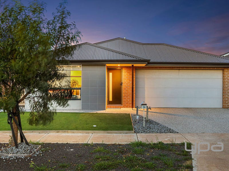 16 Blackberry Street, Manor Lakes, Vic 3024