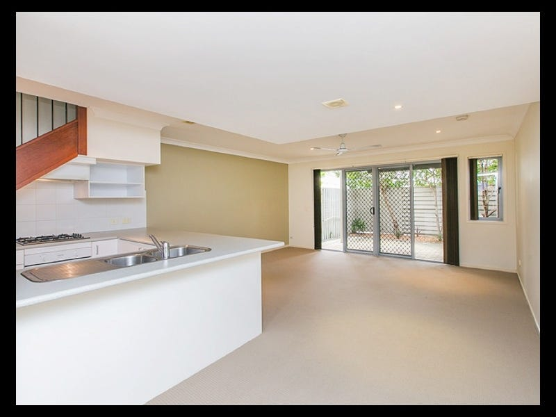 8/17 Fairlawn Street, Nathan, Qld 4111
