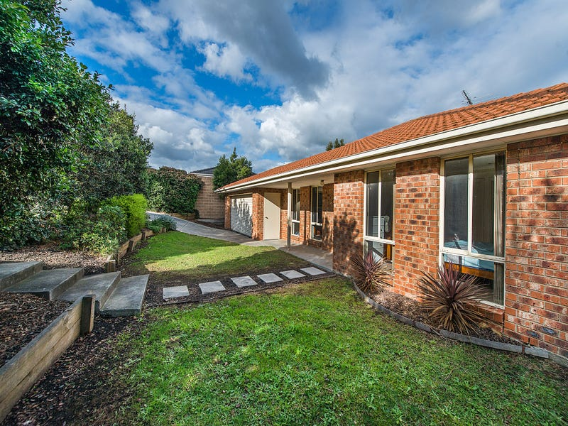 30 Earlsfield Drive, Berwick, Vic 3806