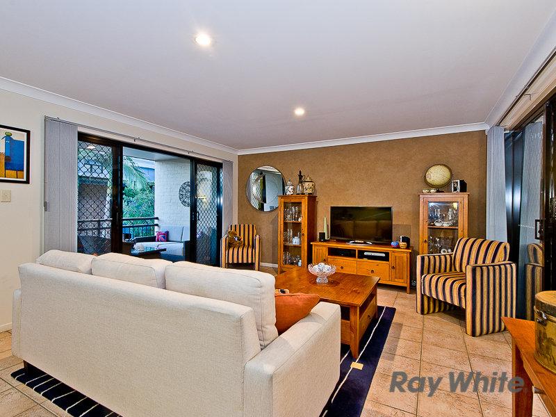 2/21 Burnaby Terrace, Gordon Park, Qld 4031