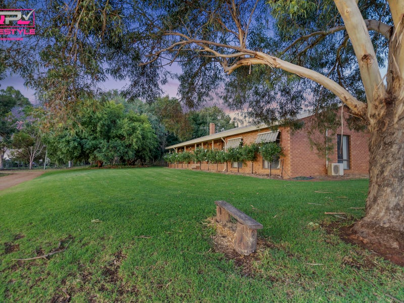 84 Tabain Road, Leeton, NSW 2705