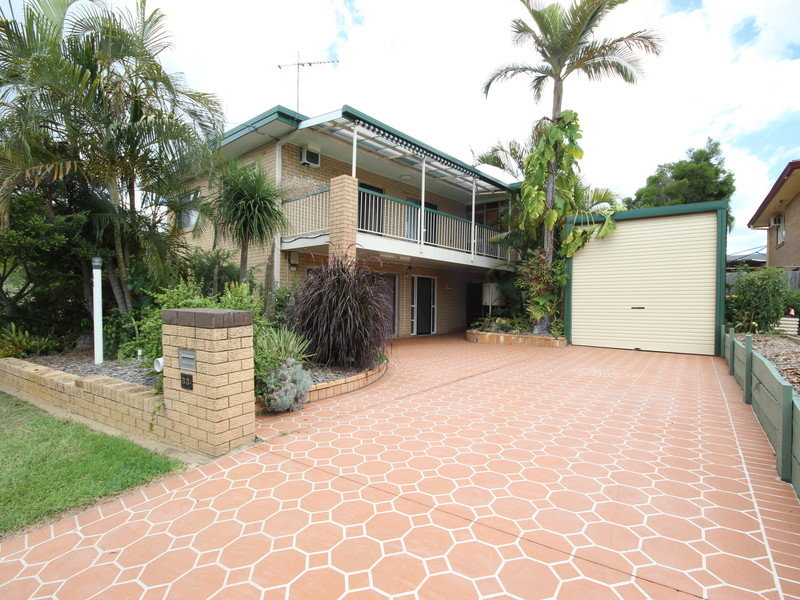33 Kiah Street, Eastern Heights, Qld 4305