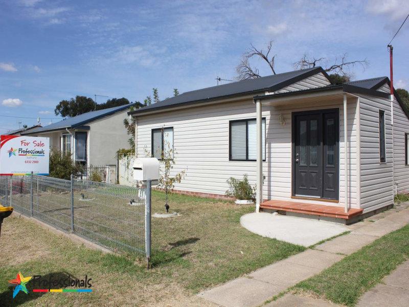 27 Alamein Walk, Bathurst, NSW 2795