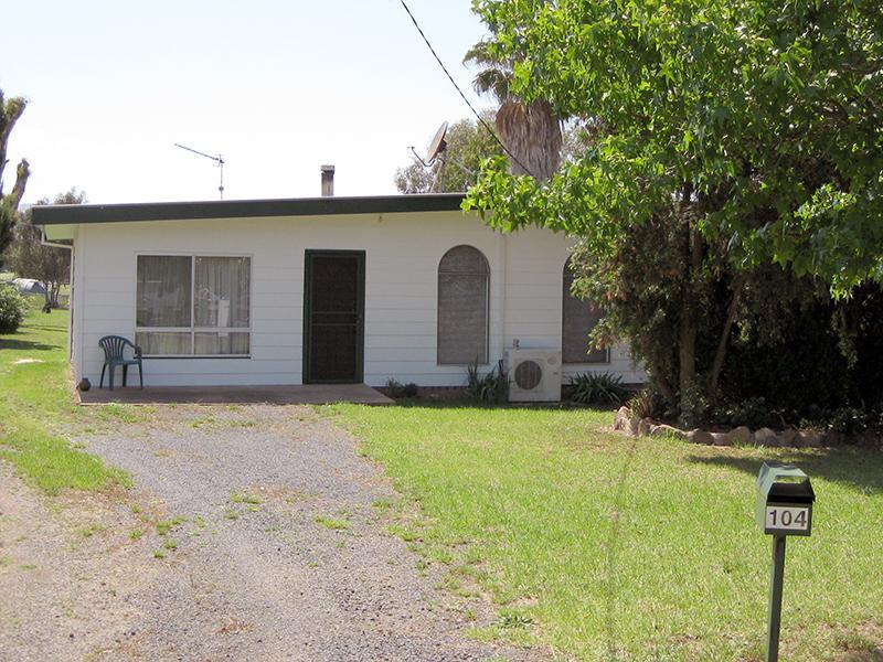 104 Binnia Street, Coolah, NSW 2843