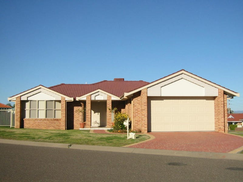 2 Stratford Place, Tamworth, NSW 2340