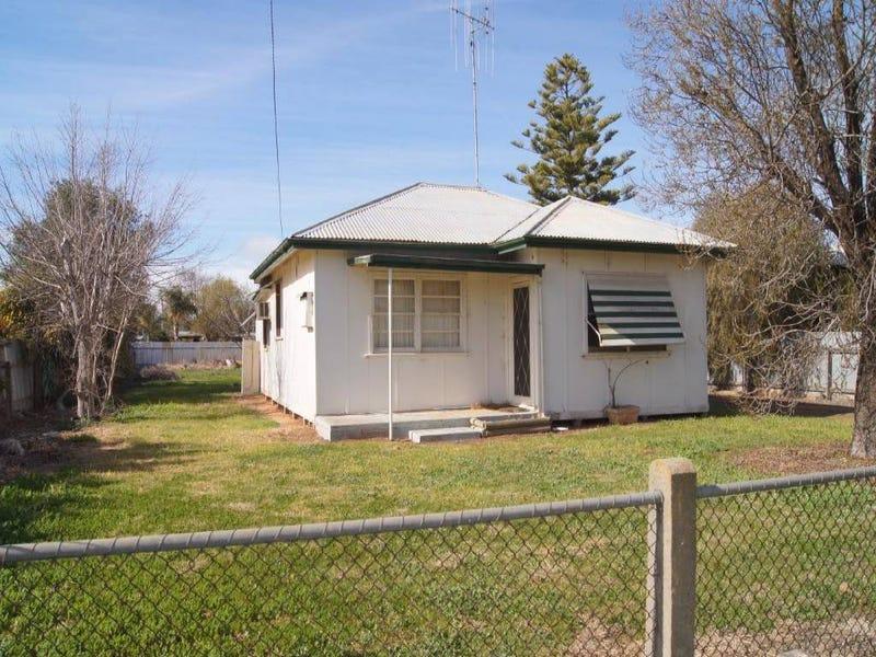 36 Finley Street, Finley, NSW 2713