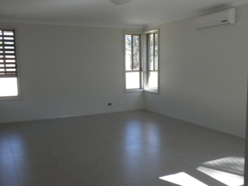2/7 Lindeman Grove, Cessnock, NSW 2325