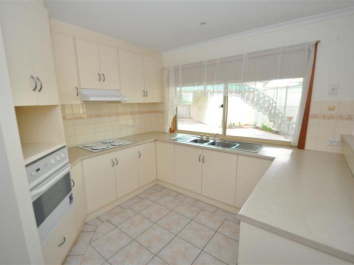 60 Axehead Road, Roxby Downs, SA 5725