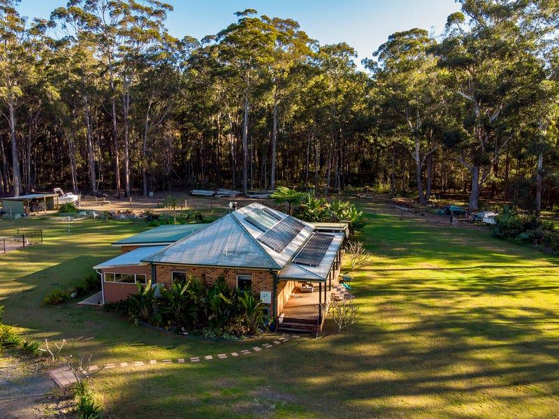 18 Scotts Road, Mitchells Island, NSW 2430