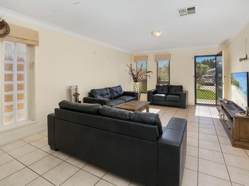 35 Coffs Harbour Avenue, Hoxton Park, NSW 2171