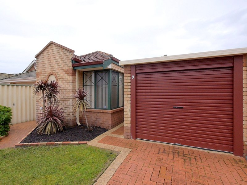 9-25 Inverness Court, Cooloongup, WA 6168