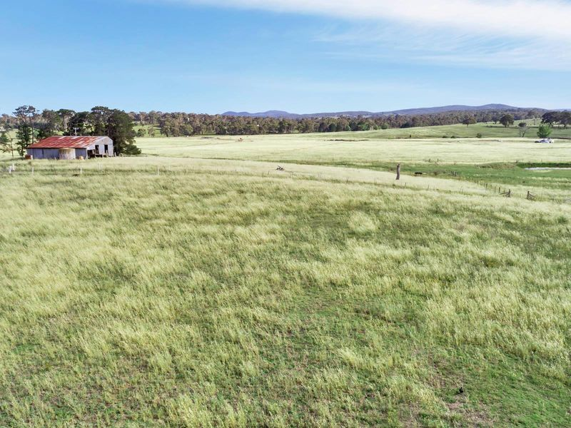 36 Mcleods Creek Drive, Gundaroo, NSW 2620