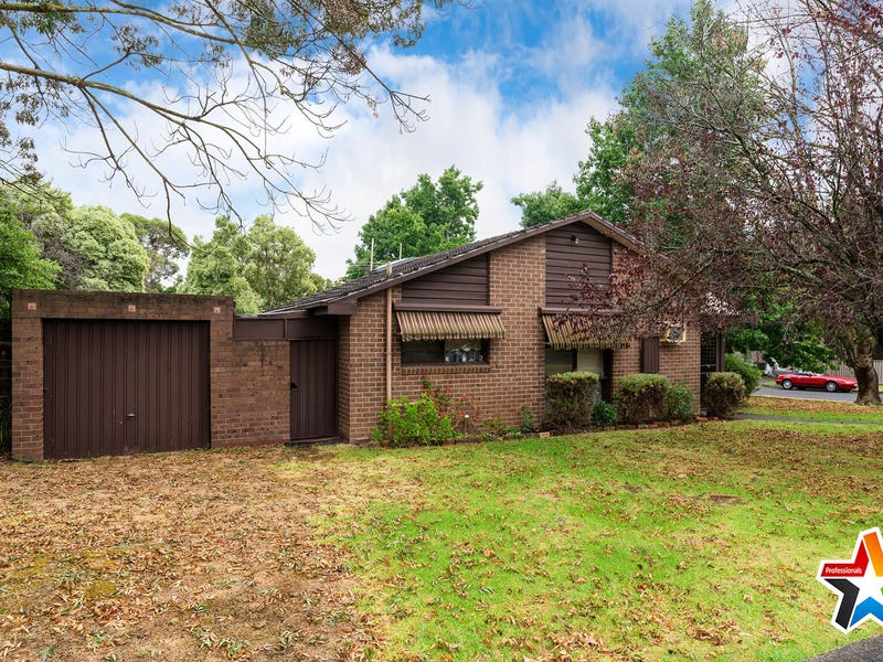 1 Rosedale Crescent, Ringwood East, Vic 3135