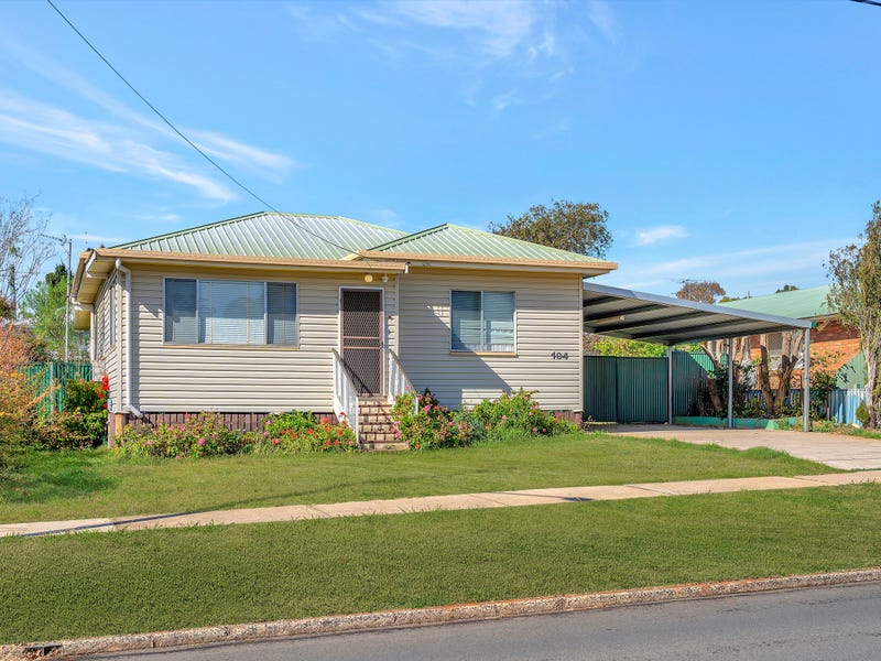 104 Water Street, South Toowoomba, Qld 4350
