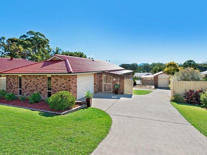 19 Waterview Crescent, Laurieton, NSW 2443