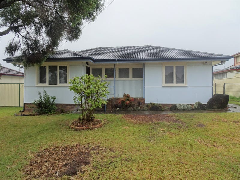 31 Fitzpatrick Crescent, Casula, NSW 2170
