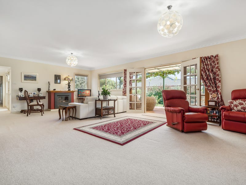42 Warraderry Street, Grenfell, NSW 2810