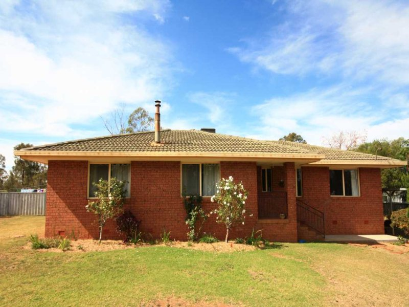 9 Barbigal Street, Brocklehurst, NSW 2830