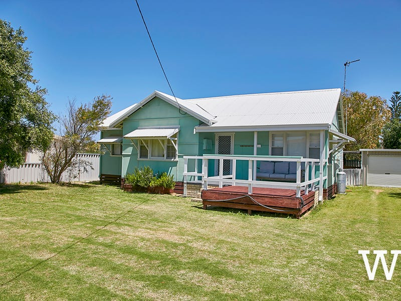 19 Ammon Avenue, Ledge Point, WA 6043
