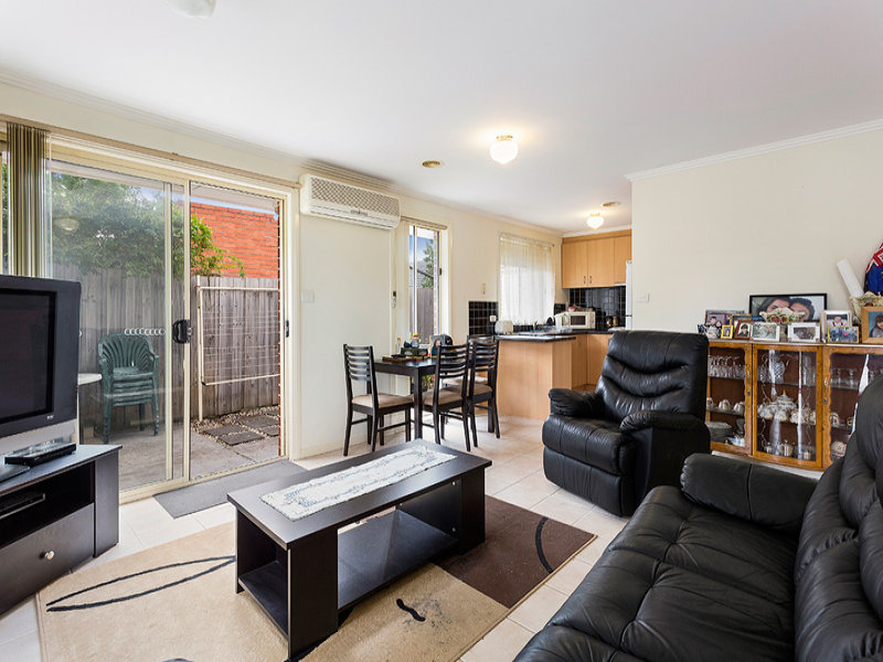 1/10 Manly Court, Coburg North, Vic 3058
