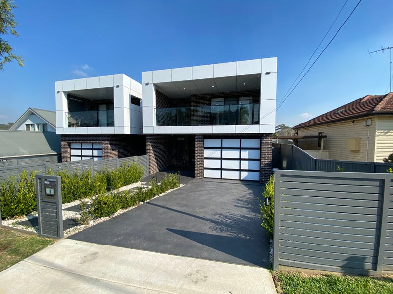 8 Drysdale Avenue, Picnic Point, NSW 2213