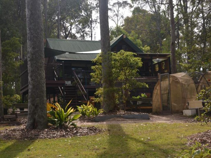 69 Annetts  Parade, Mossy Point, NSW 2537