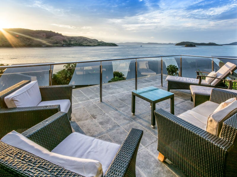 villa 33 yacht club villas hamilton island qld 4803 unit. Black Bedroom Furniture Sets. Home Design Ideas