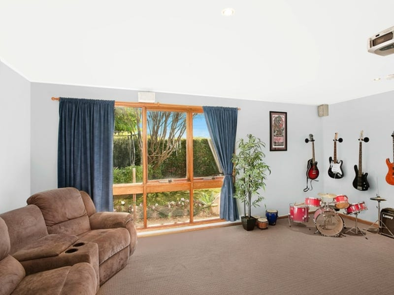 42 Somerville Road, Hornsby Heights, NSW 2077