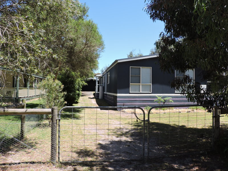 9 Azores Court, The Honeysuckles, Vic 3851